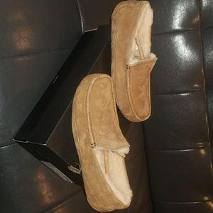 Ugg slippers nwt